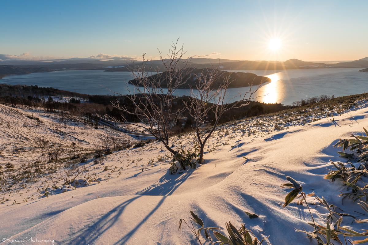 美幌峠から見る屈斜路湖と朝陽
