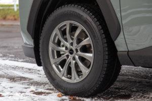 新型RAV4Adventureの冬タイヤ