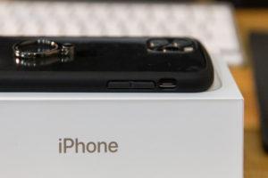 エレコムのiPhone11pro用ケースの側面