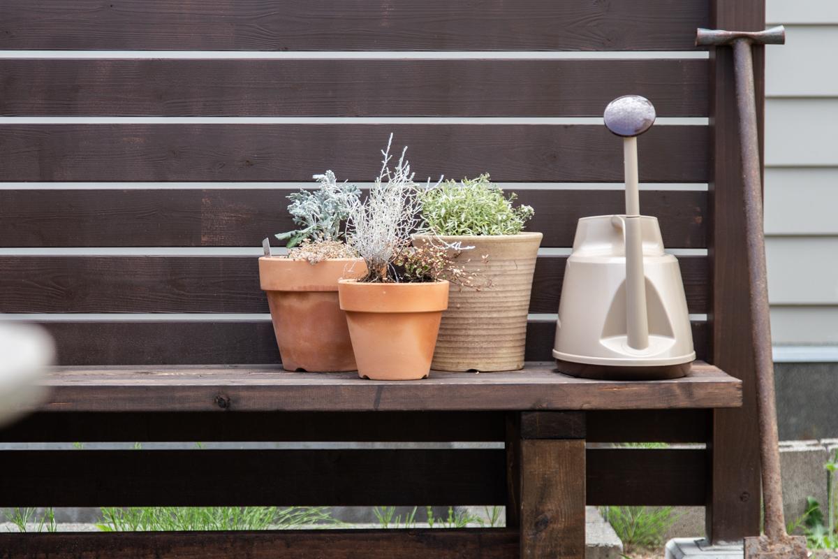 ウッドフェンスとお揃いのベンチを作りました!